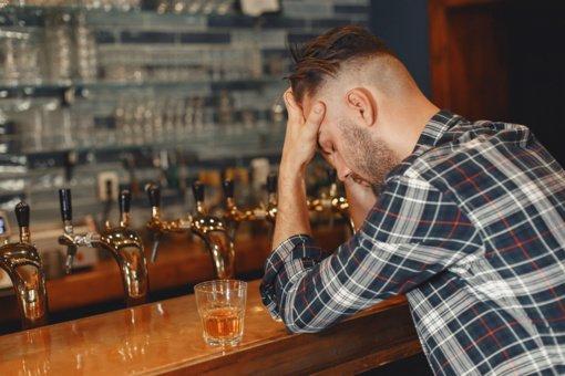 Kada žmonės  pradėjo vartoti alkoholį?