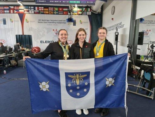Pasaulio jaunių jėgos trikovės čempionate – varėniškių medaliai