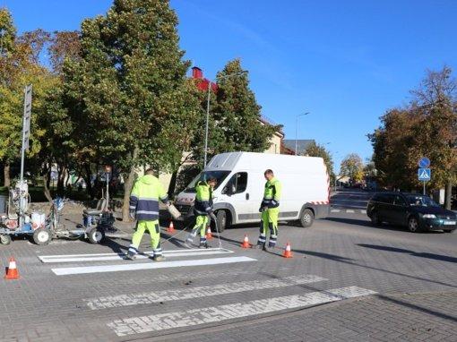 Rajone perdažytos pėsčiųjų perėjos užtikrins eismo dalyvių saugumą