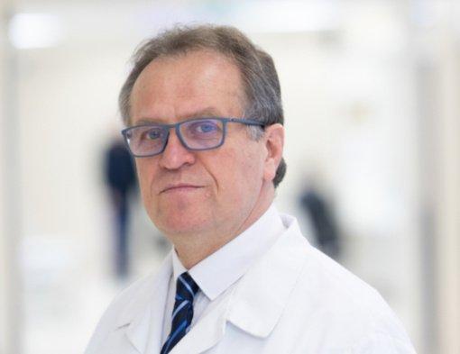 """Profesorius Pranas Šerpytis: """"Gydytojas nėra kalėjimo prižiūrėtojas, kiekvienas žmogus laisvas pasirinkti"""""""