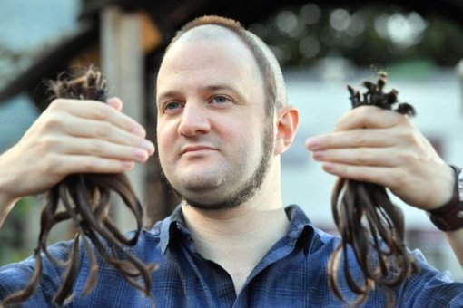 Ant vyro galvos –  plaukų žiedas
