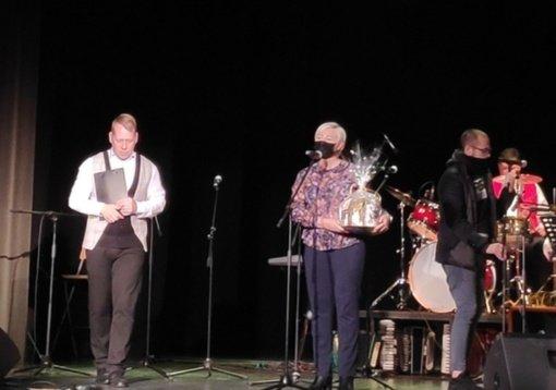 """Sekmadienio popietę Baisogaloje nuskambėjo linksma ir kitokia grupių – kapelų šventė """"Grok, trypk ir dainuok"""""""