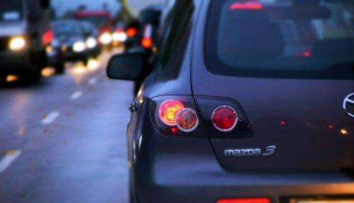 Daugiau nei pusė gyventojų nepalaiko automobilių taršos mokesčio