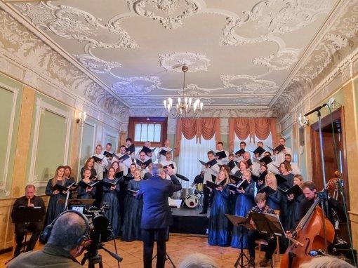 Frenkelių istorija papasakota muzikos kalba per ilgesį ir viltį