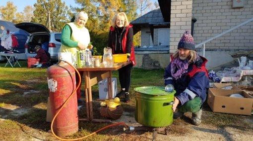 """Bendruomenei tęsti """"skanią"""" tradiciją padės ir įsigytas šaldytuvas"""