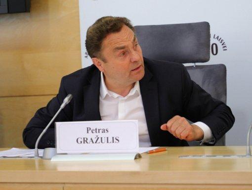 Seimo narys P. Gražulis siūlo įdarbinti nelegalius migrantus