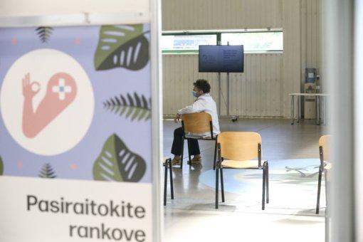 Lietuvoje – 1810 naujų koronaviruso infekcijos atvejų, mirė dar 25 žmonės