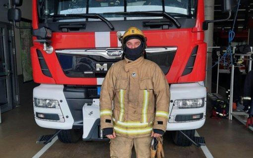 Ugniagesiai bus aprūpinti naujais apsauginiais kostiumais