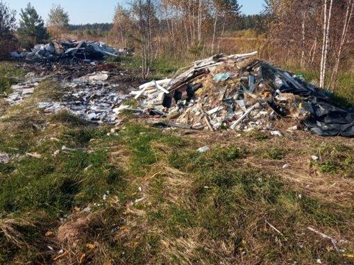 Išaiškintas miško teršėjas atliekomis: gresia administracinė atsakomybė iki 29 tūkstančių eurų