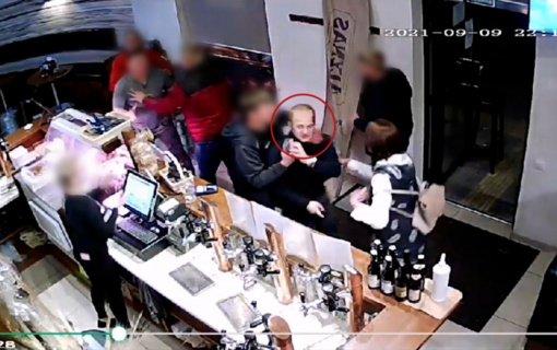 Policija prašo pagalbos atpažįstant nuotraukoje užfiksuotą asmenį