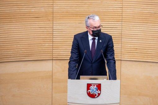 """G. Nausėda sako, kad S. Kairio baldų pirkimo situacija """"neturi kartotis"""""""