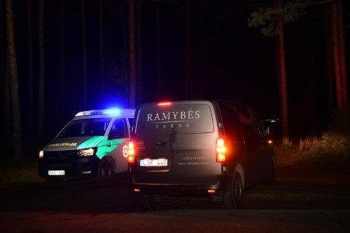Panevėžio rajone rastas negyvas žmogus su šautine žaizda, šalia – ginklas