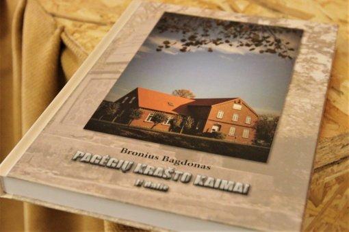 """Broniaus Bagdono knygos """"Pagėgių krašto kaimai. II dalis"""" sutiktuvės Stoniškiuose"""