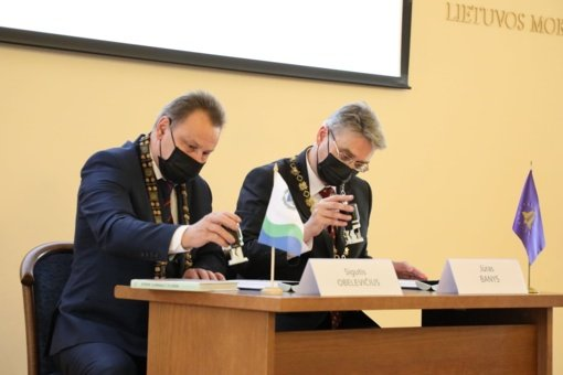Pasirašyta bendradarbiavimo sutartis su Lietuvos mokslų akademija