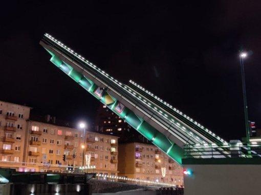 Bus keliami Pilies ir Biržos tiltai