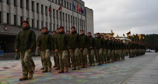 Misijose dalyvaujantys kariai kelia pasididžiavimą