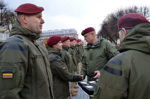 Apdovanoti iš tarptautinės operacijos Malyje grįžę Lietuvos kariai