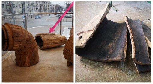 """Sulaužyta Prisikėlimo aikštėje eksponuota skulptūra """"Jungtys"""""""