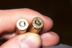 Kazlų Rūdoje bendrovės patalpose rasta pistoletų ir šaudmenų