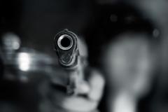 Rado, manoma, buvusio draugo ginklą
