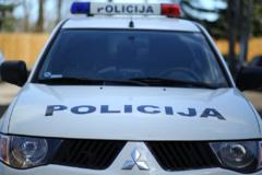 Iš saugomos aikštelės sostinės Gariūnų turgavietėje pavogtas brangus automobilis