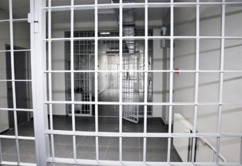 Teismo laukia pensininkės prievartautojai