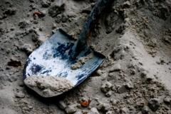 Indonezietis žuvo ant jo užkritus jo motinos karstui