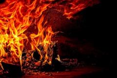 Plungėje degė ūkinis pastatas