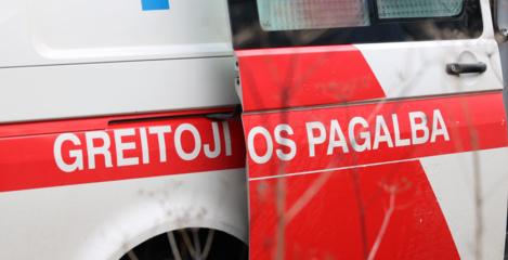 Vilniuje automobilis susidūrė su greitosios pagalbos automobiliu ir pasišalino