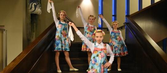 """Šalčininkų """"Santarvės"""" gimnazijos dainų ir šokių ansamblis """"Karamelė"""" – tarptautiniame konkurse"""