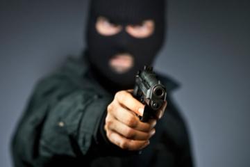 Šilutės rajone į moters namą įsiveržė du kaukėti asmenys ir pagrobė namuose buvusius pinigus