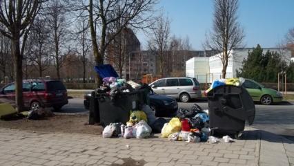 Atliekų krūvos (vaizdo įrašas)