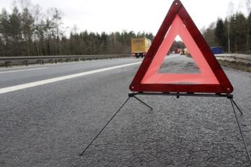 Šiaulių rajone susidūrė automobilis ir traktorius