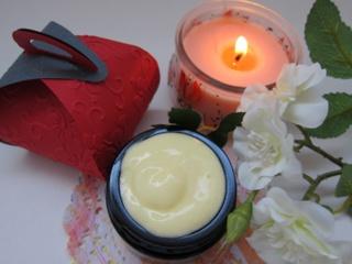 Ateities kosmetika – kokių ingredientų reikia jaunystei išlaikyti?