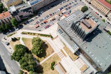 Po gero dešimtmečio rekonstruojamas Operos ir baleto teatro fontanas ir teatro prieigos