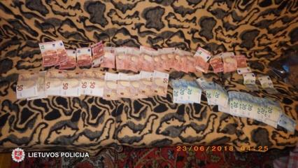 Klube sulaikyti narkotinių medžiagų turėję jaunuoliai (fotogalerija)