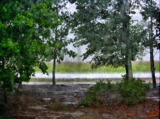 Orai: šalį praus lietus, blykčios žaibai, bet šiluma nesitrauks