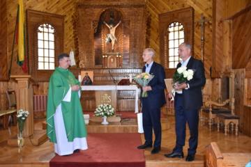 Varėnos klebonas atsisveikino su parapijos tikinčiaisiais