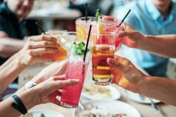 Atgaivinantys nealkoholiniai kokteiliai: karštiems vasaros vakarėliams ir ne tik