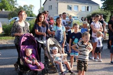 Alytaus rajono šeimos ir kaimynai susitiko Krokialaukyje