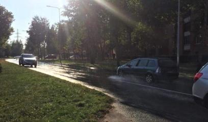 Sudvajų gatvę nuplovė tinklus tvarkę vandentiekininkai