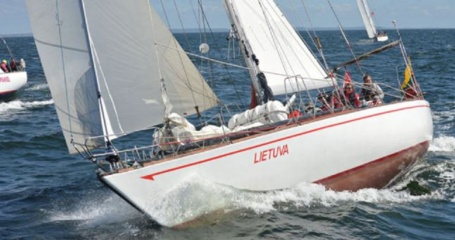 Tragiškai Baltijos jūroje pasibaigusią regatą buvo svarstoma atidėti
