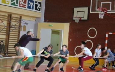 Skuodo rajono moksleiviams policija organizavo sporto varžybas