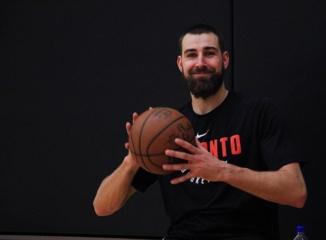 Krepšininkas J. Valančiūnas pagerino atkovotų kamuolių rekordą