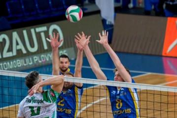 Intriguojančiame Lietuvos vyrų tinklinio čempionate į kovą stos šešios komandos