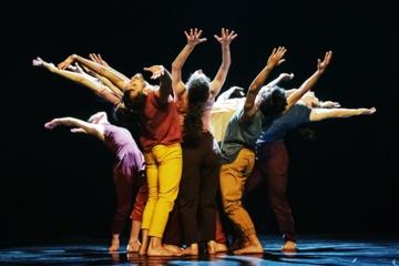 Šiaulių dramos teatre šiuolaikinio šokio vizijos apie gamtą ir pasirinkimo būtinybę