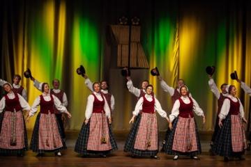 Paskelbtos geriausios Lietuvos liaudiškų šokių grupės