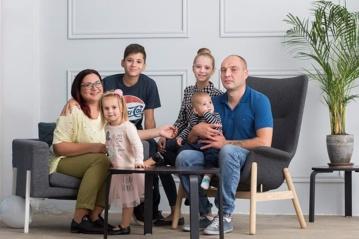 Keturių vaikų mama jaučiasi laiminga