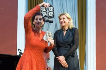 Jurbarkietei B. Bartkutei įteikta Lietuvos Respublikos Kultūros ministerijos premija