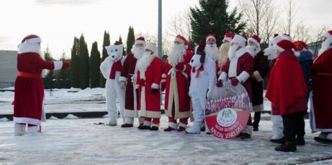 Pagėgiuose – 19 Kalėdų Senelių